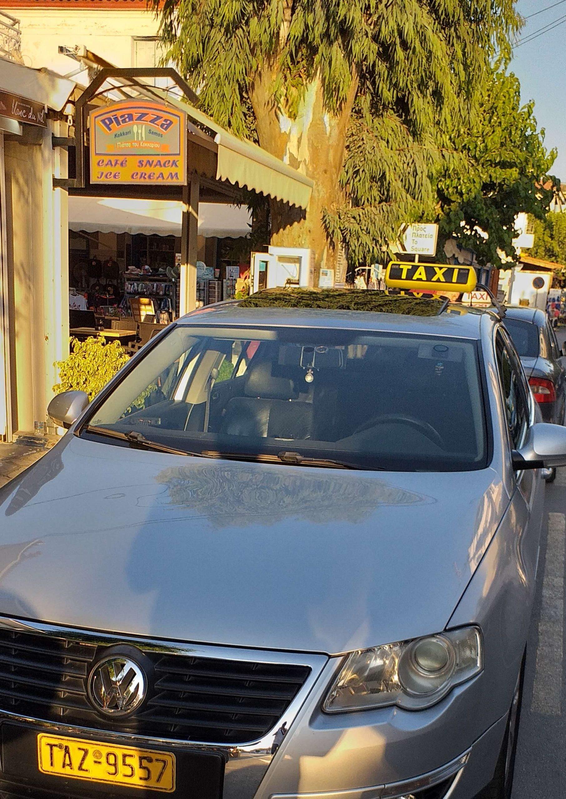 Kokkari'de Bir Taksi
