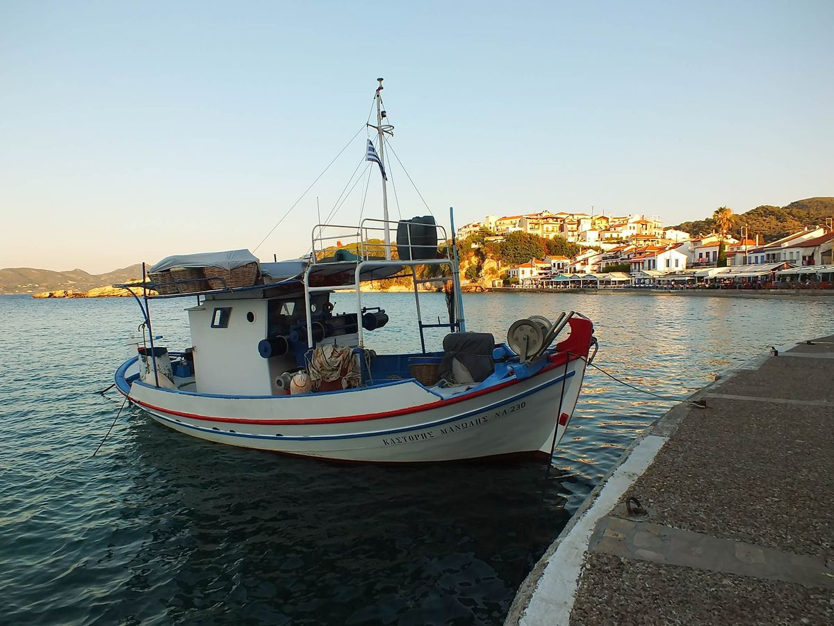 Limanda Bir Tekne