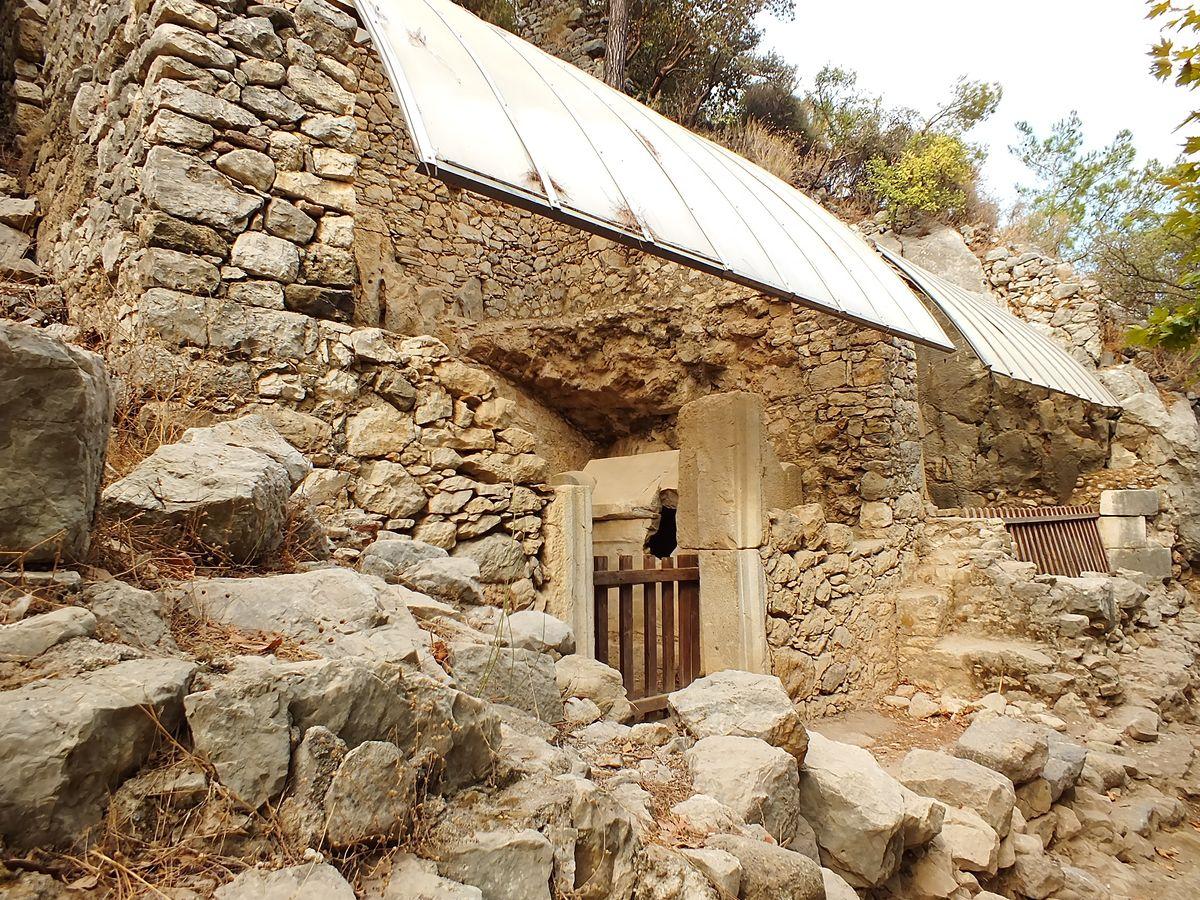 Olimpos Antik Kenti Lahitleri